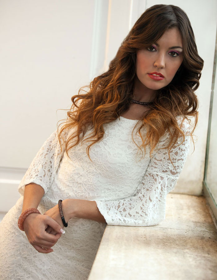 WHITE-COLLECTION-HAIRSPA-01
